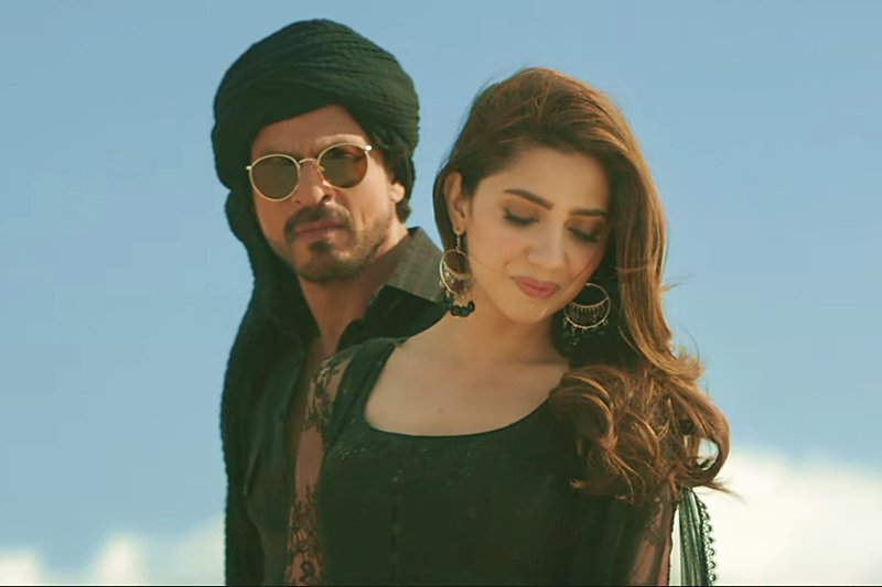 shah rukh khan and mahira khan in a song sequence from their movie raees screen grab