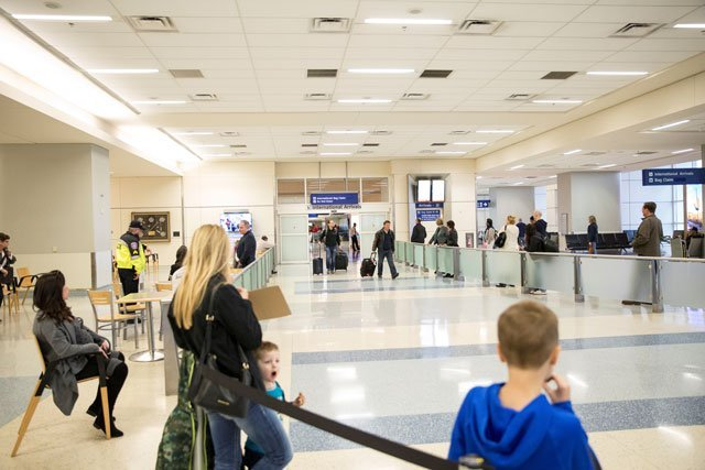international arrivals proceed normally at dallas fort worth international airport after a federal judge in washington state issued a nationwide stop of the travel ban imposed by us president donald trump 039 s executive order in dallas texas us february 4 2017 photo reuters