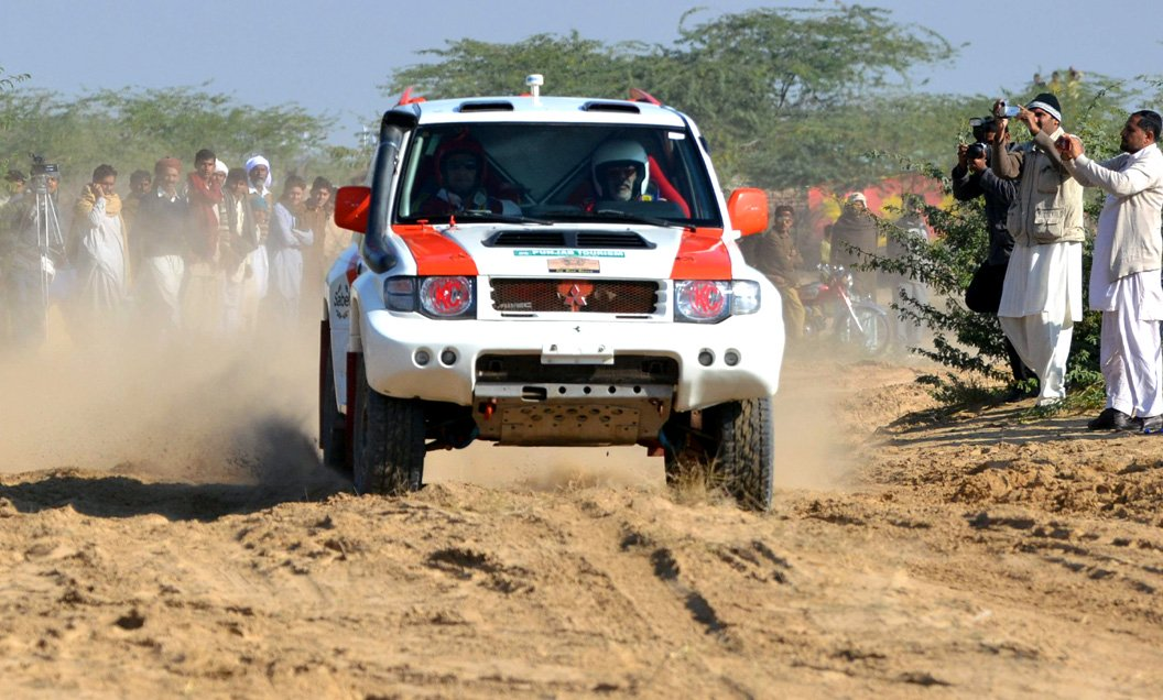 zafar khan magsi races through during the 8th cholistan desert rally photo shahid saeed