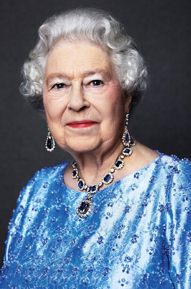 a handout picture released by buckingham palace on february 6 2017 and taken in 2014 by british photographer david bailey for the great campaign shows britain 039 s queen elizabeth ii posing wearing a suite of sapphire jewellery given to her by king george vi as a wedding gift in 1947 photo afp