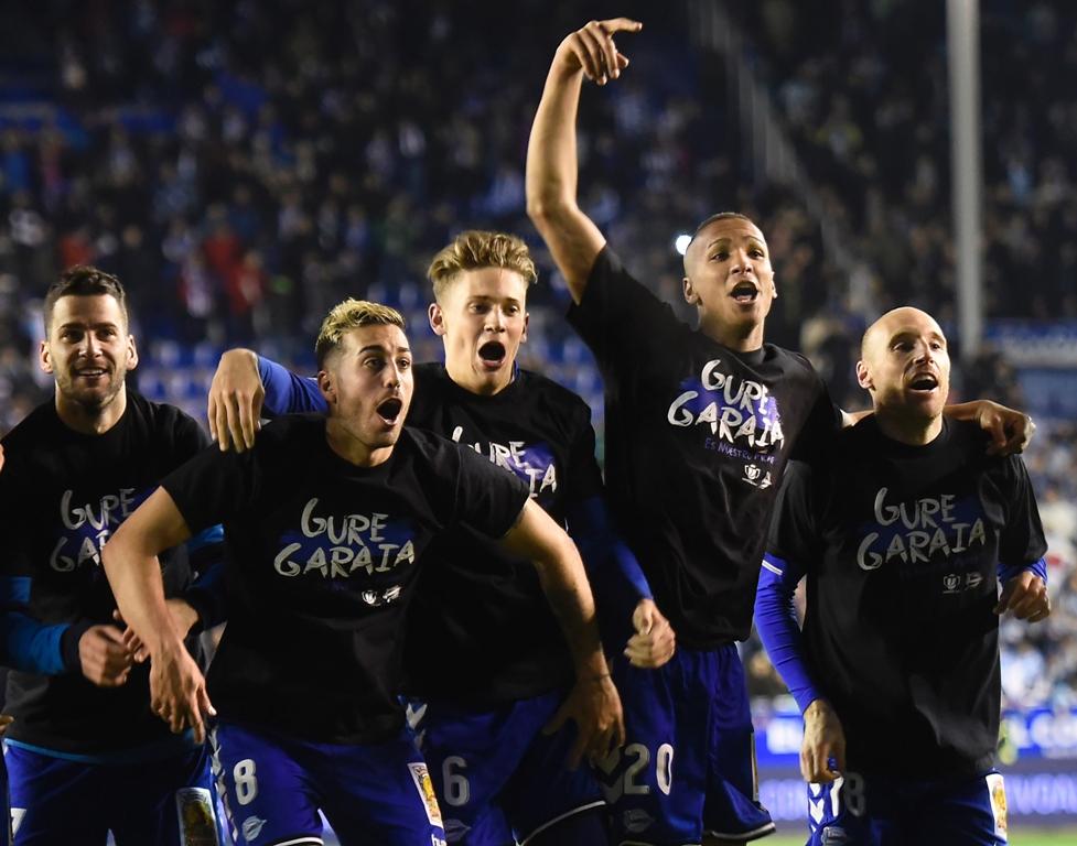 alaves to face barcelona in copa del rey final