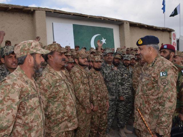 general qamar javed bajwa spends a day in south waziristan photo ispr