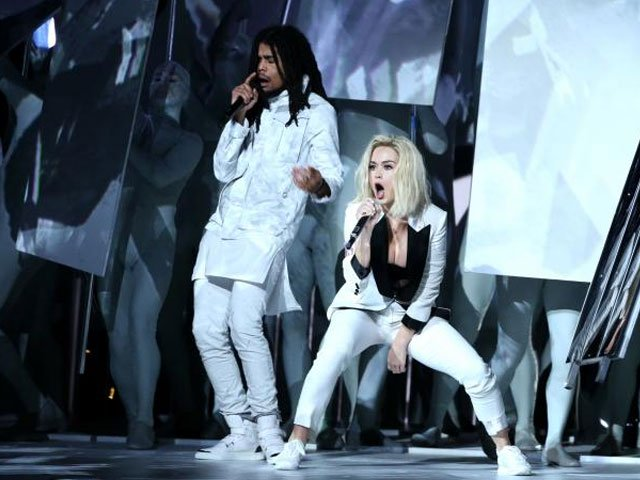 skip marley and katy perry perform 039 chained to the rhythm 039 at the 59th annual grammy awards in los angeles california u s february 12 2017 reuters lucy nicholson