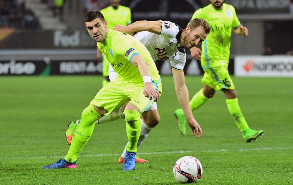 harry kane r and stefan mitrovic vie for the ball at the ghelamco arena on february 16 2017 photo afp