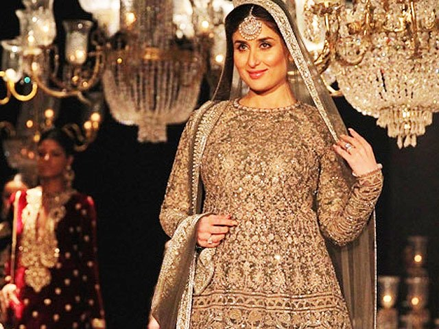 kareena kapoor khan in fashion show photo dna