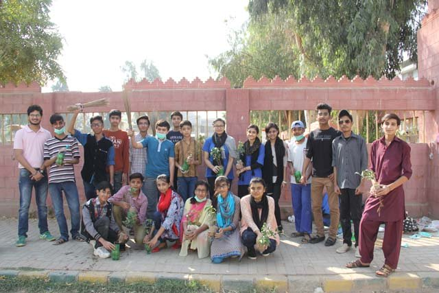 students launch cleanliness drive in streets of karachi