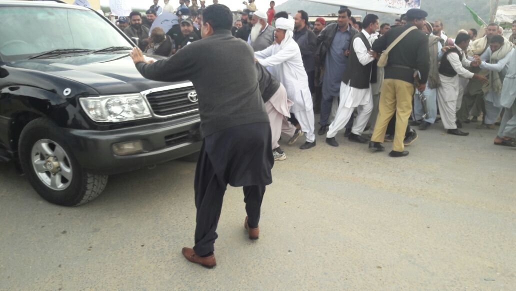 the furious crowd tried to stop prime minister haider when he was on his way to samhani from bhimber city photo express