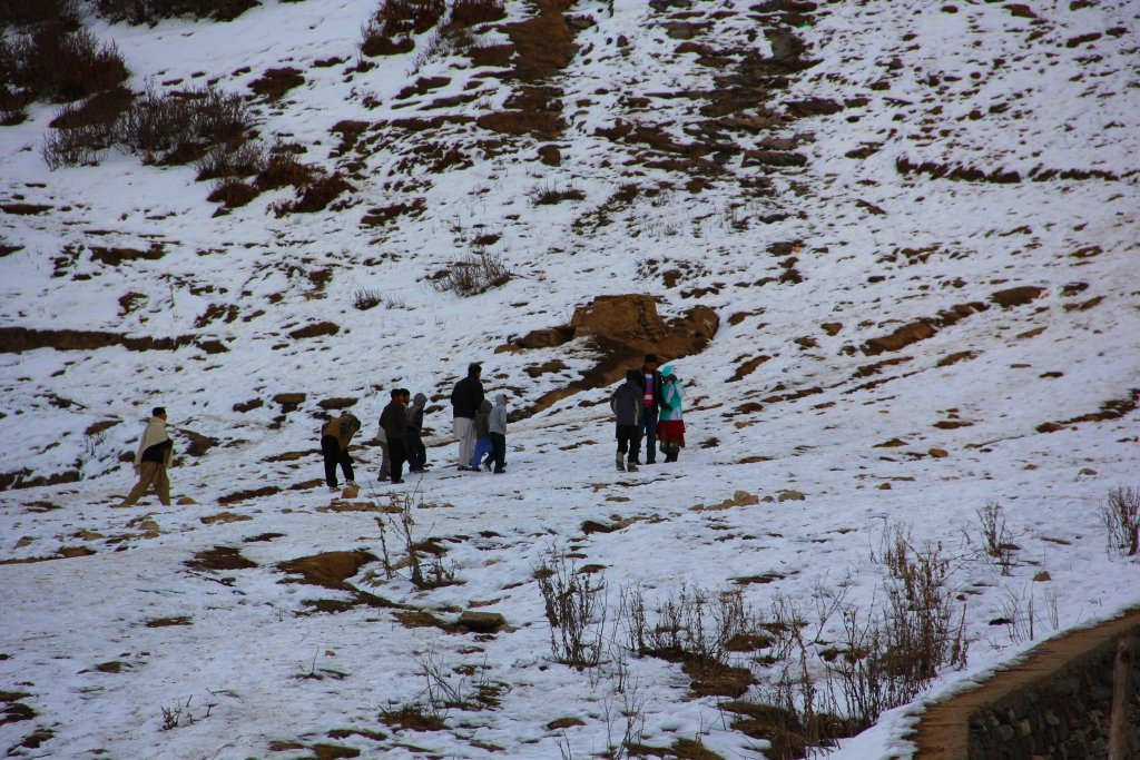 amid snowfall swat again in the grip of a cold wave