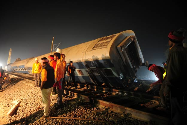 railway traffic between sindh and punjab was suspended due to derailment of three wagons photo file