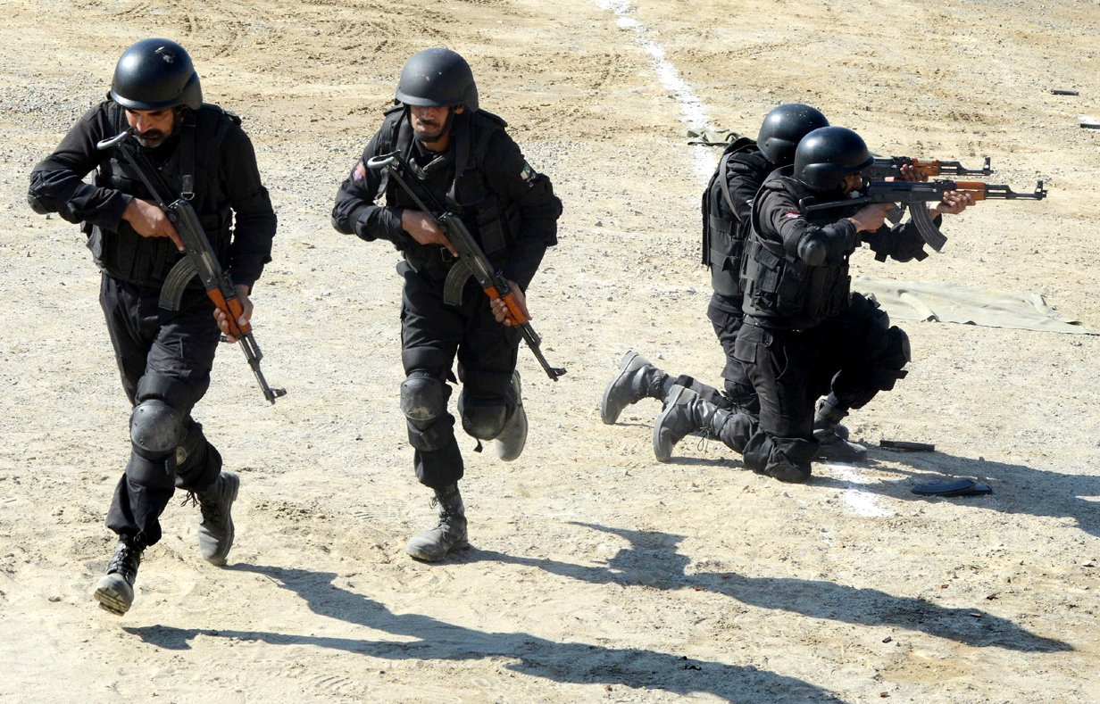 policemen perform drills during a training module at a police training centre in nowshera khyber pakhtunkhwa photo afp