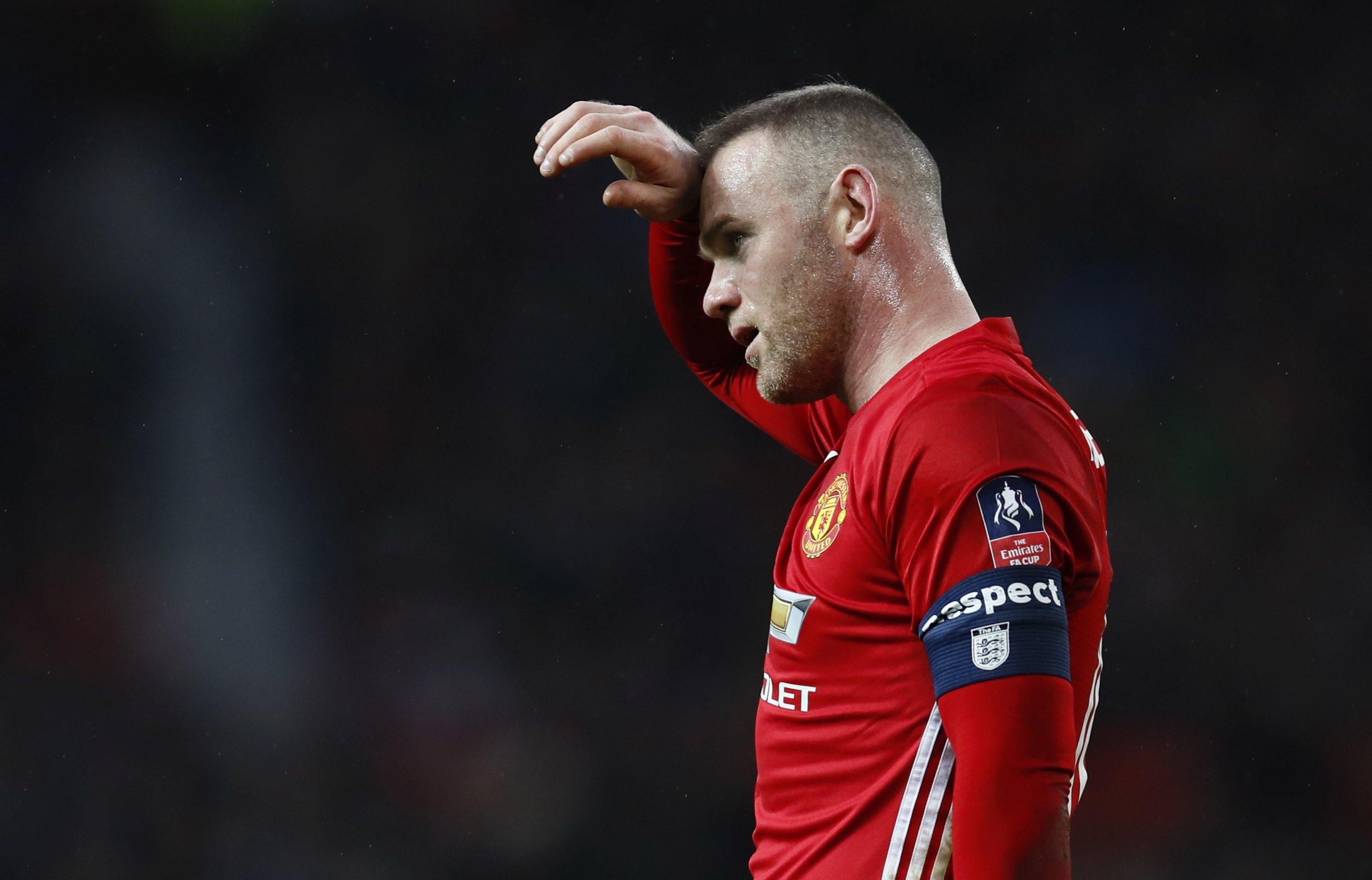 wayne rooney is struggling with muscle injury photo reuters