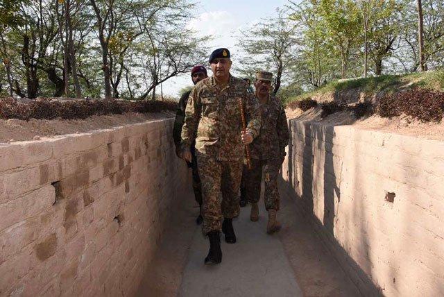 army chief general qamar javed bajwa visits line of control 039 s mattewala munaawar sector on tuesday february 21 2017 photo ispr