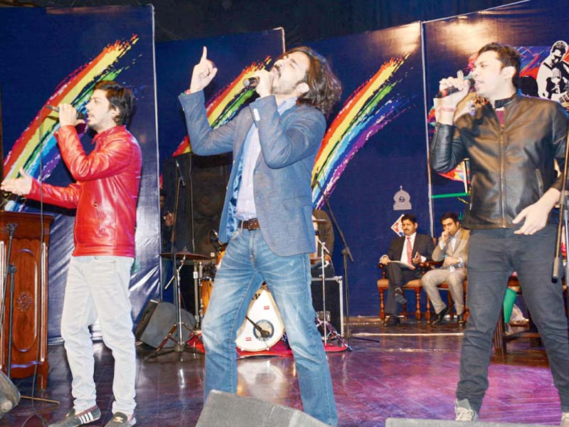 a band performs at the alhamra art centre photo online