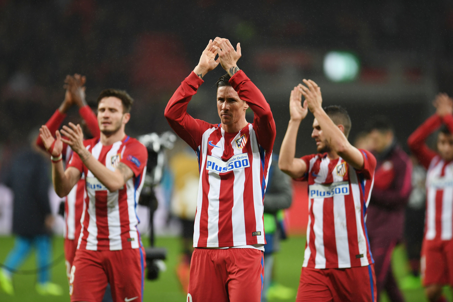 atletico madrid 039 s forward fernando torres c and his teammates applaud after the uefa champions league round of 16 first leg football match between bayer 04 leverkusen and club atletico de madrid in leverkusen western germany on february 21 2017 photo afp