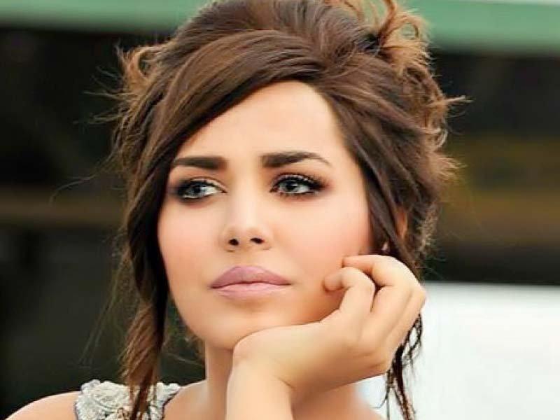 supermodel ayyan ali photo file