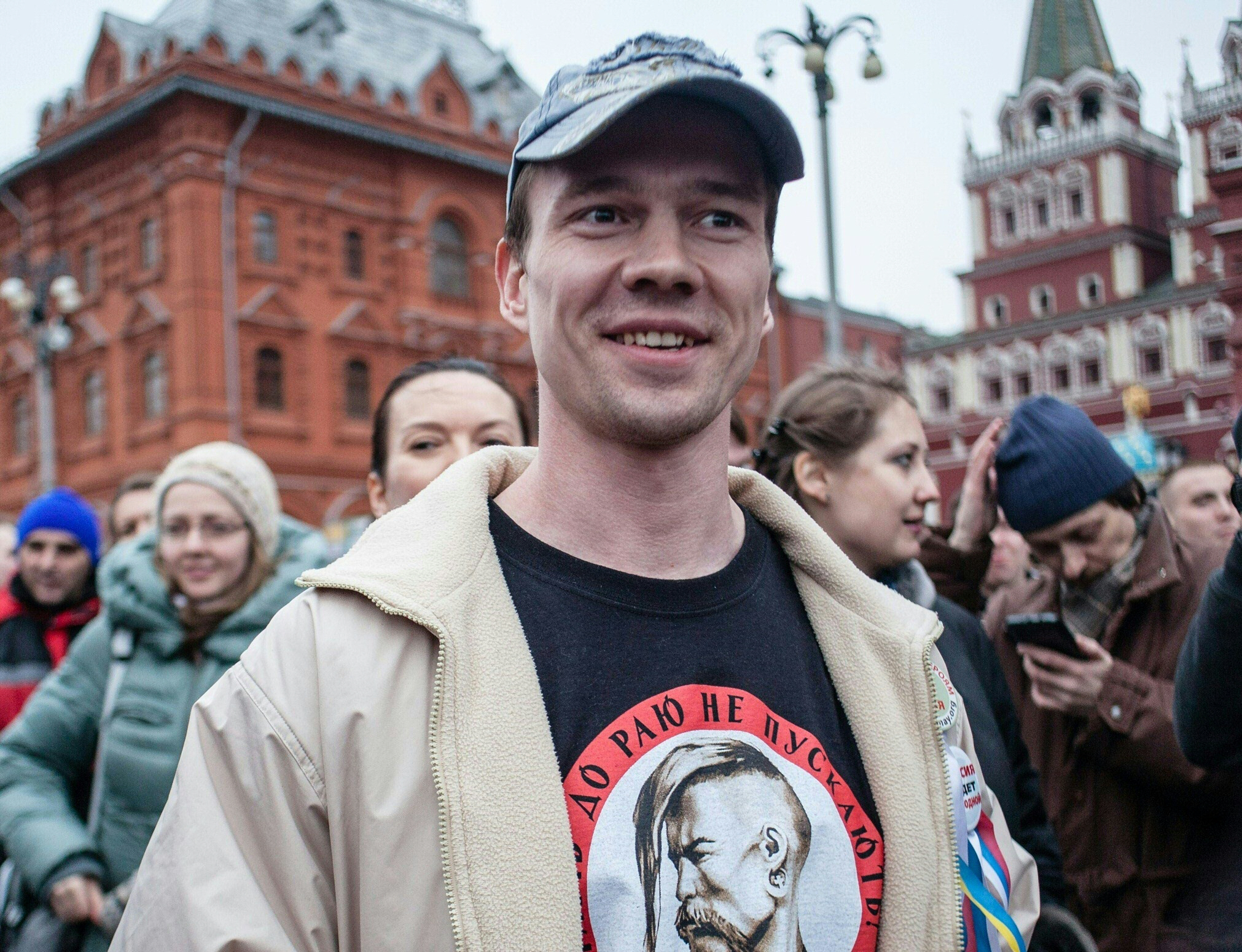 russian opposition activist leaves jail after court scrapped conviction