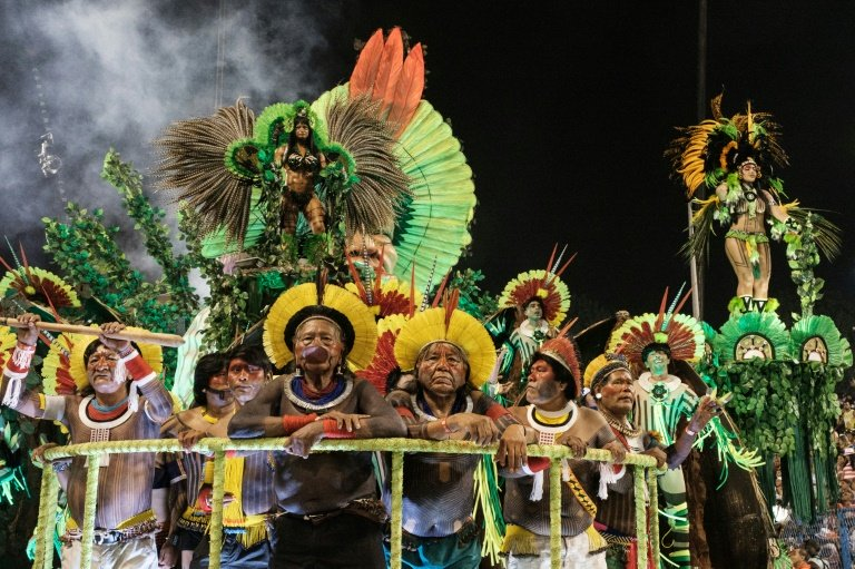 truck accident mars joyful rio carnival