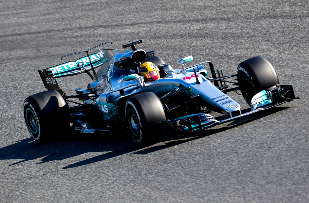 lewis hamilton drives at the circuit de catalunya on february 27 2017 on the outskirts of barcelona photo afp