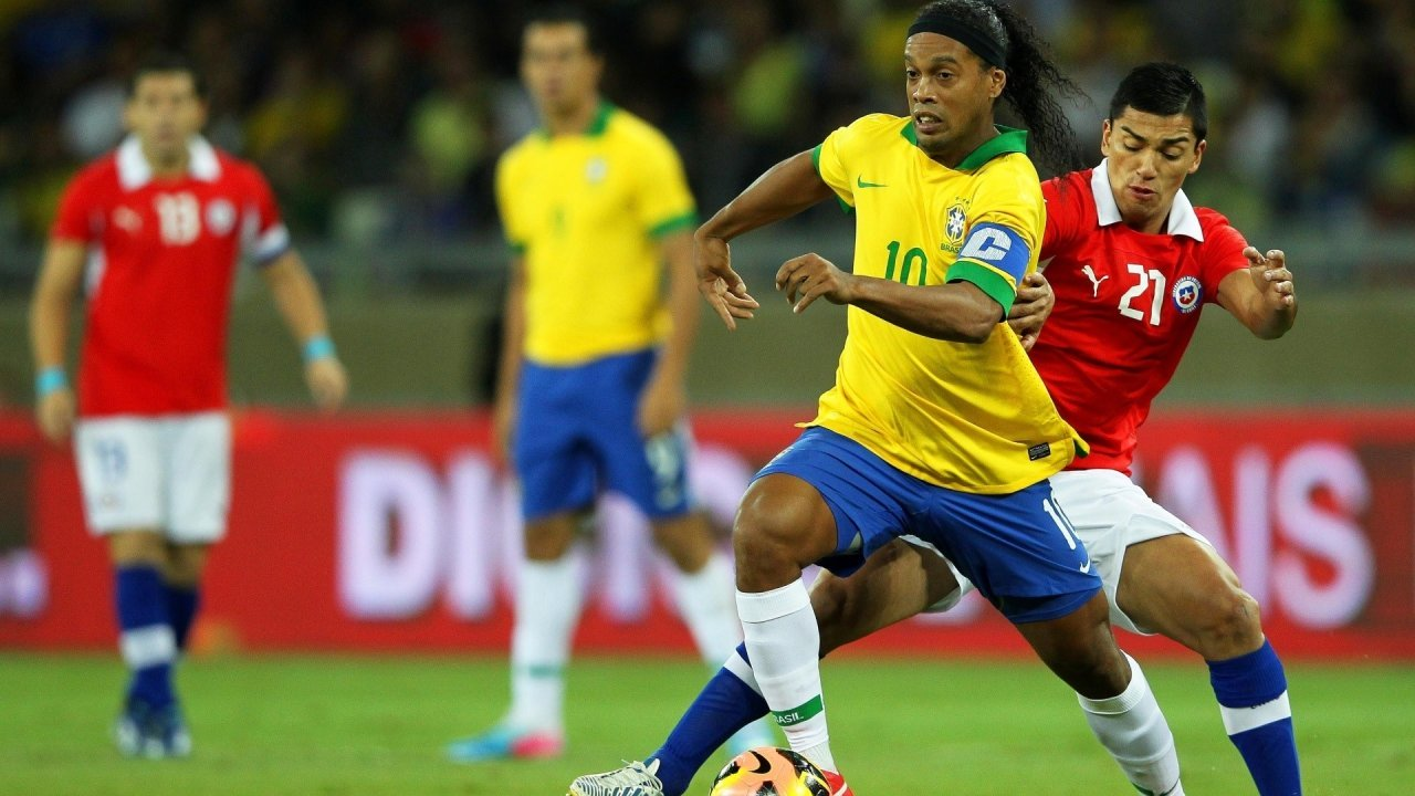 national footballers ecstatic over ronaldinho s visit