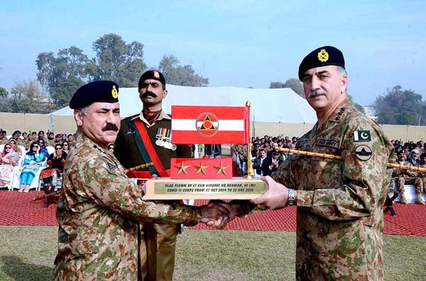 corps commander hands out 42 awards