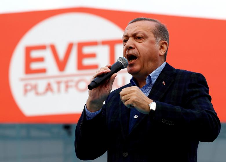 Turkish President Tayyip Erdogan addresses his supporters during a rally for the upcoming referendum in Istanbul, Turkey, April 8, 2017. PHOTO: REUTERS