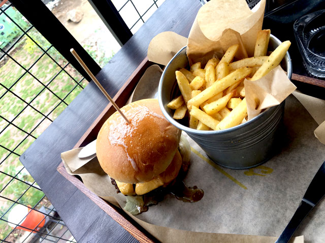 are the jaswal brothers serving the best burgers in islamabad