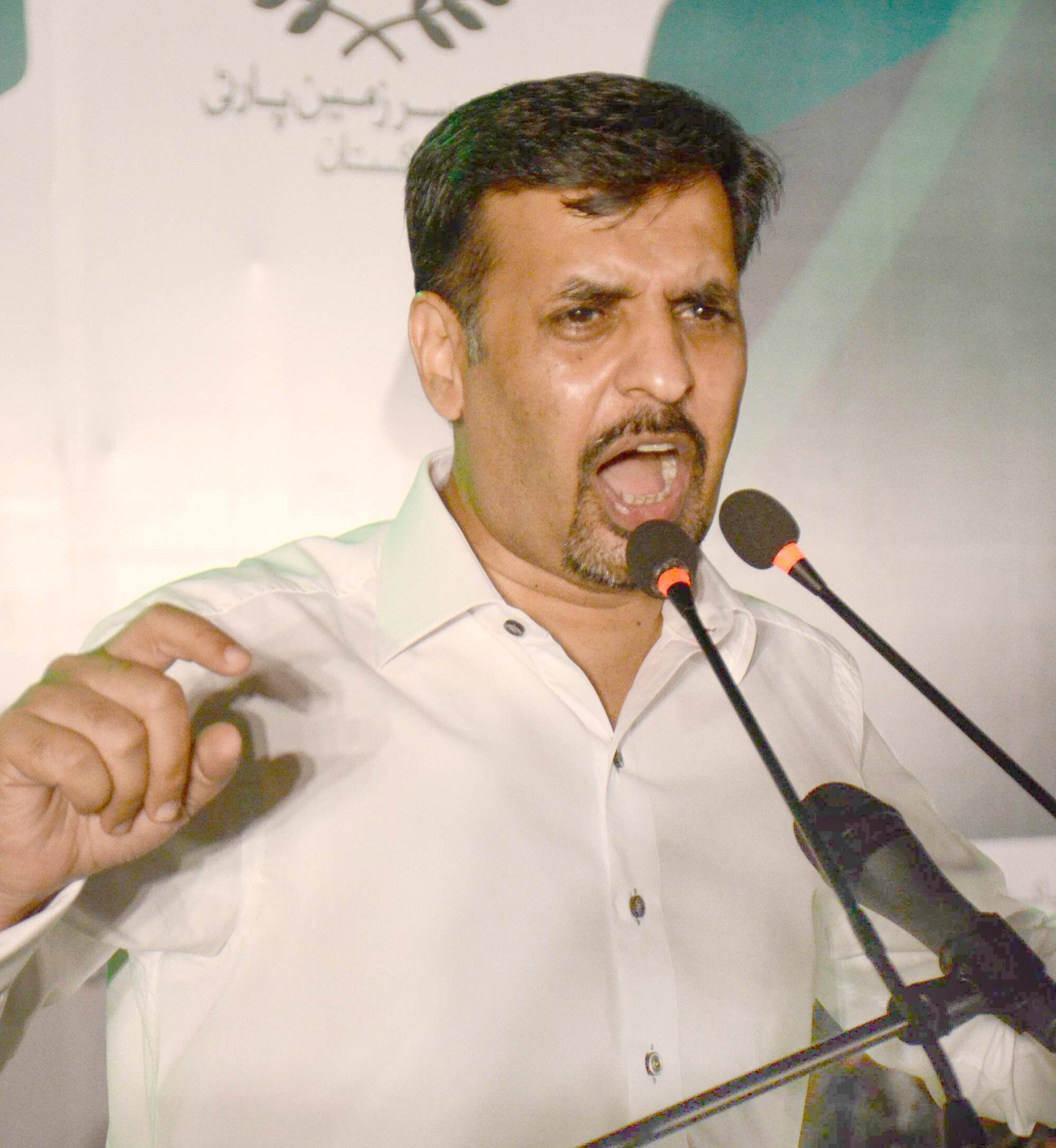 According to Mustafa Kamal, if one million people in Karachi started walking on a specific street on a specific day on his call, their problems will be resolved within a span of 20 minutes. PHOTO: EXPRESS