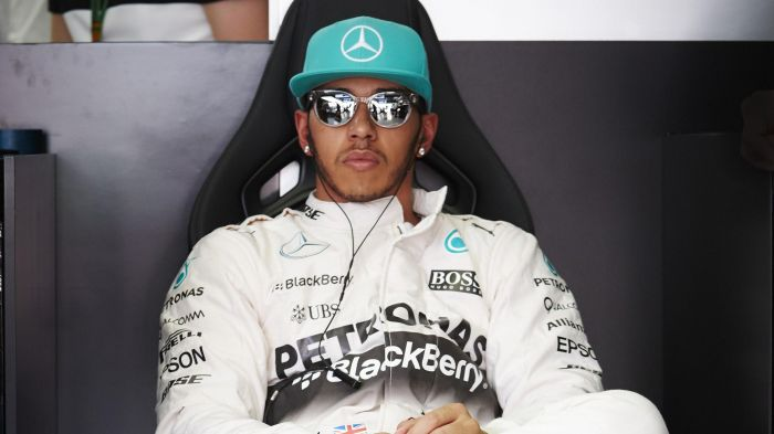 hamilton named richest sportsman in uk