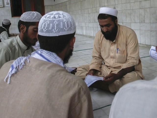 seminaries bill seeks to tighten registration rules