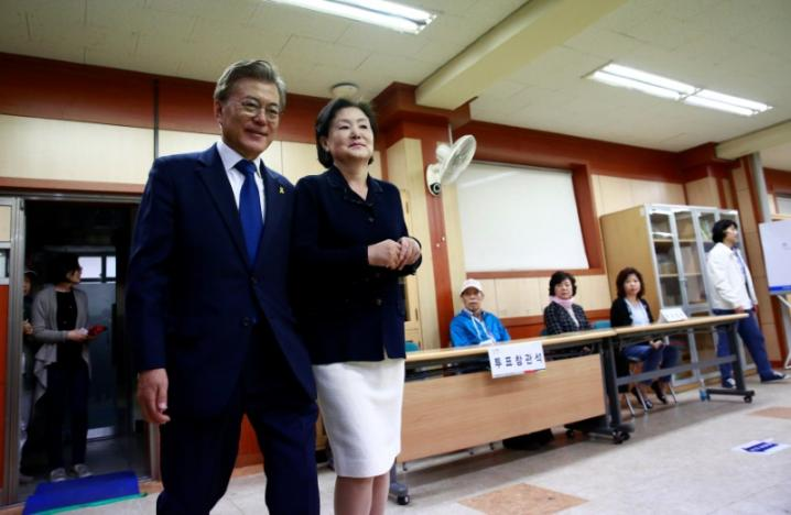 south koreans vote for new leader after months of political vacuum