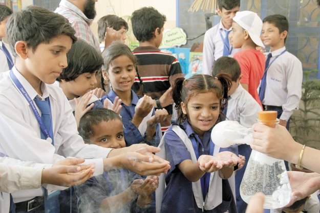 hearing impaired students indulge in scientific experiments