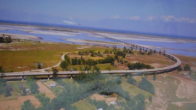 india opens longest bridge on border with china