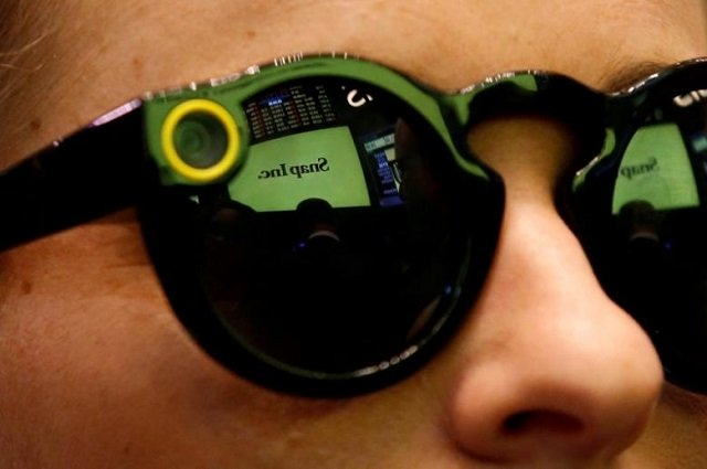 snapchat s spectacles go on sale in europe