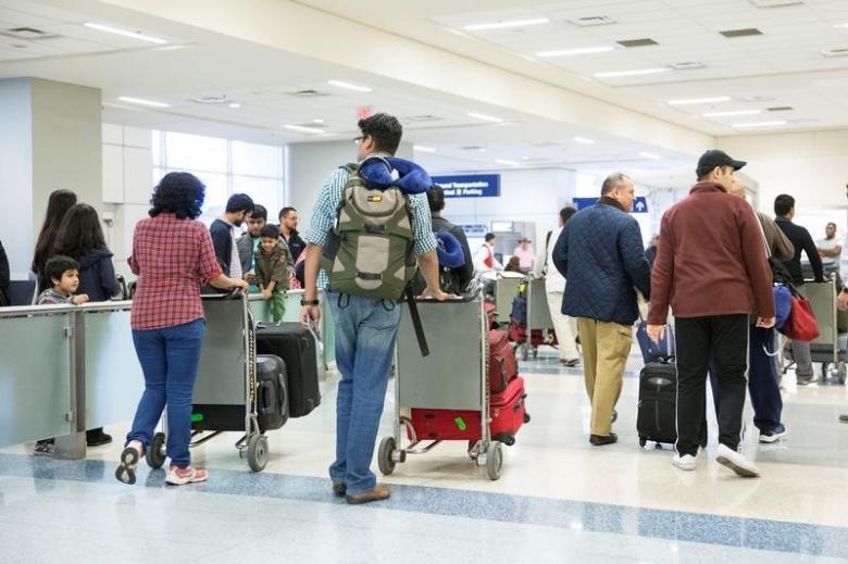us asks visa applicants for social media handles
