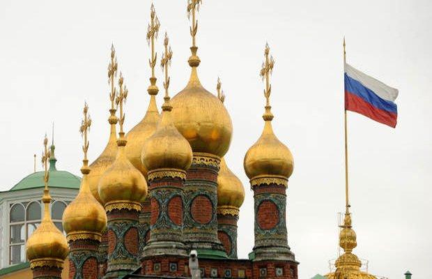 kremlin resolutely denies russia hacked us vote