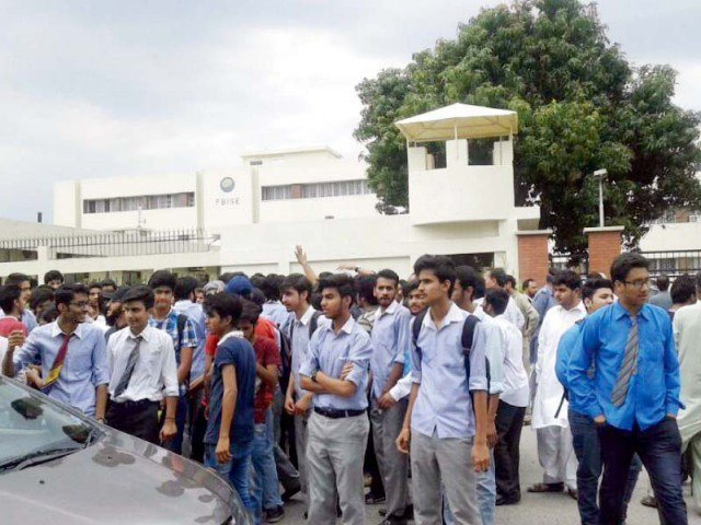 roundtable proposes revival of student unions revision of curriculum photo express