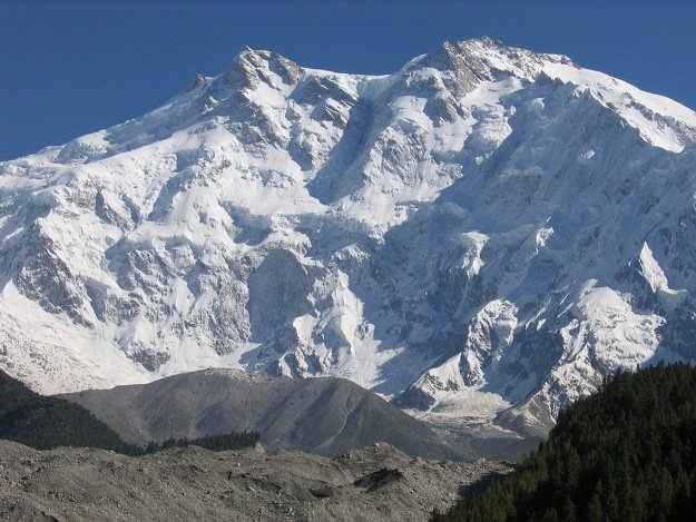 two alpinists go missing on nanga parbat
