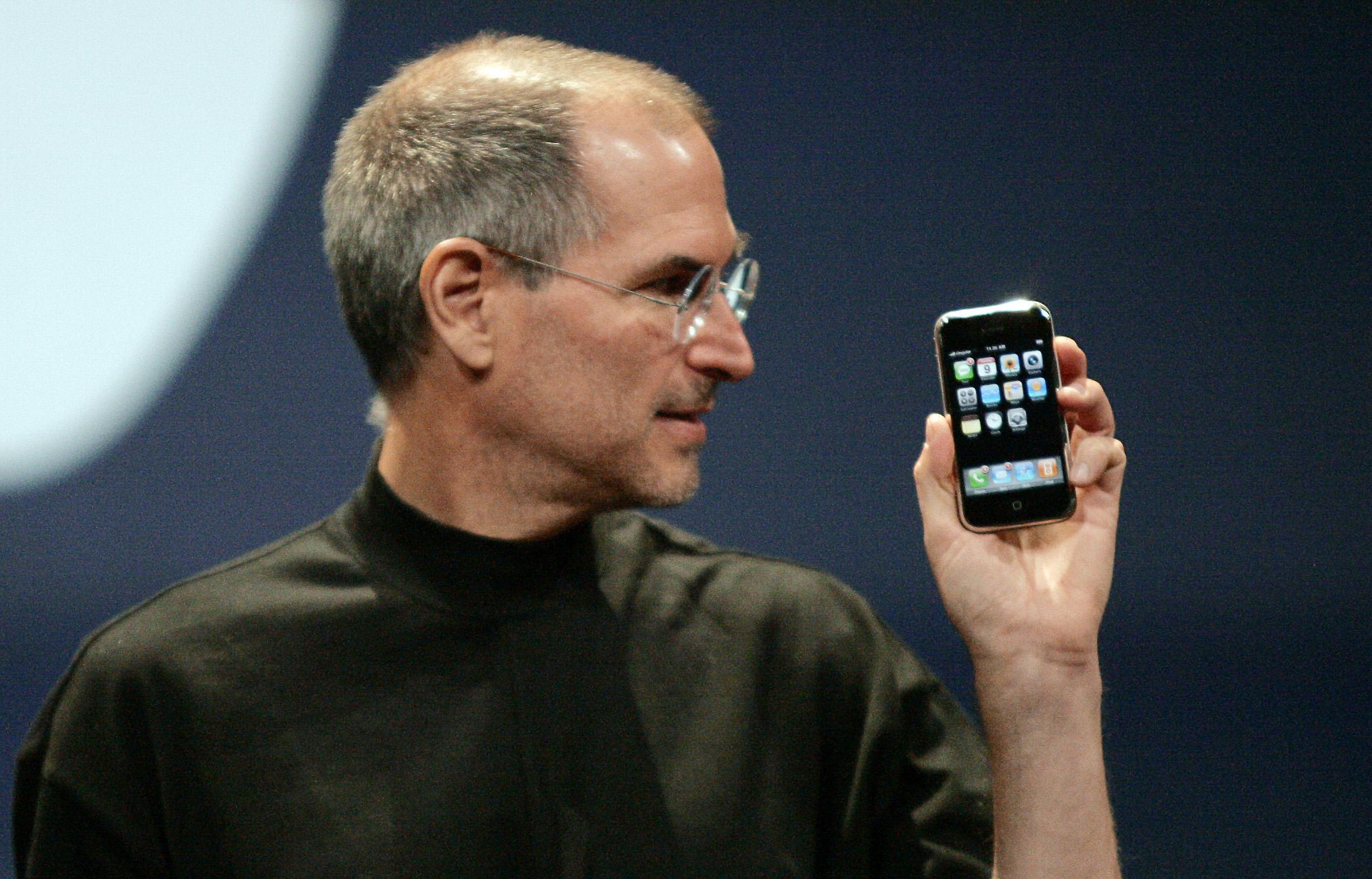 apple s iphone turns 10 bumpy start forgotten
