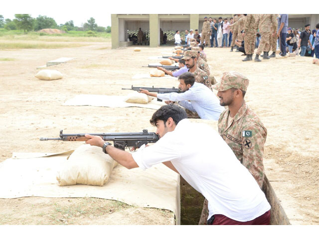 ucp students visit army units formations at lahore garrison
