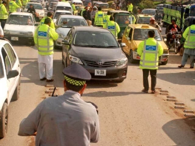 pindi traffic police launch campaign against tinted windows