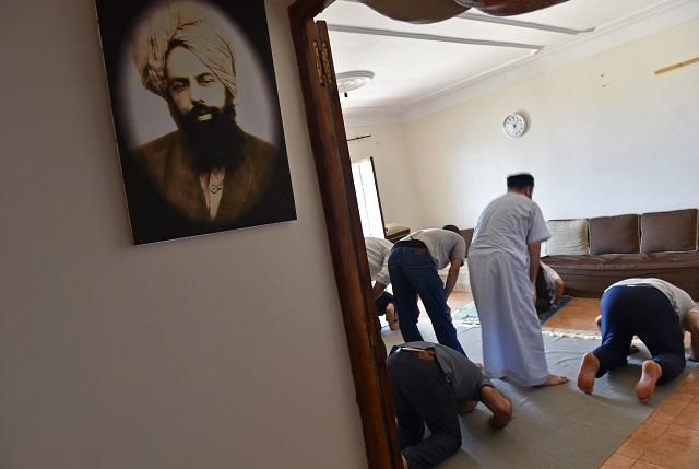 algeria s ahmadis forced to worship behind closed doors