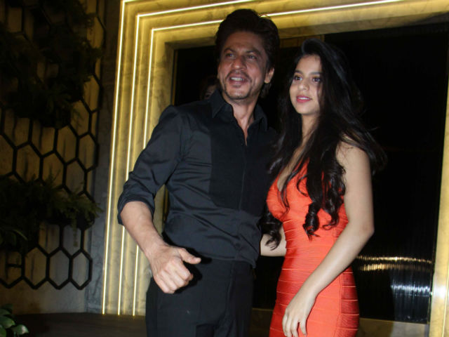shah rukh s latest pic with suhana will make daughters green with envy