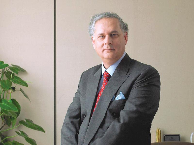 speakers praise practical lessons in sirajuddin aziz s book