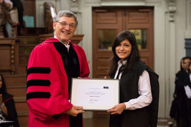 pakistani woman wins academic award at oxford university