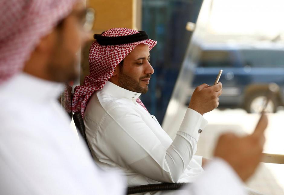 saudi arabia to lift ban on whatsapp skype calling