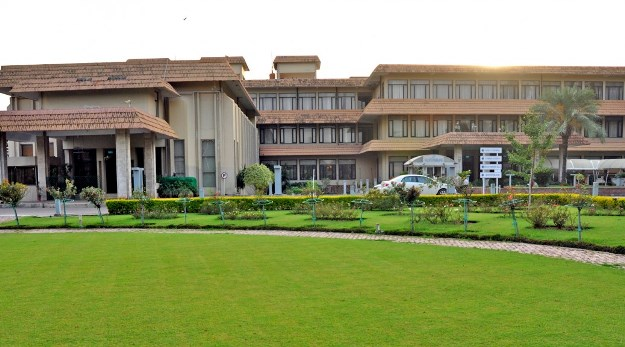 islamabad club being run as a money making machine finds audit report