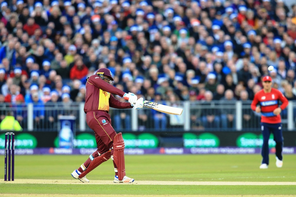 no one knows where to bowl to gayle says england s plunkett