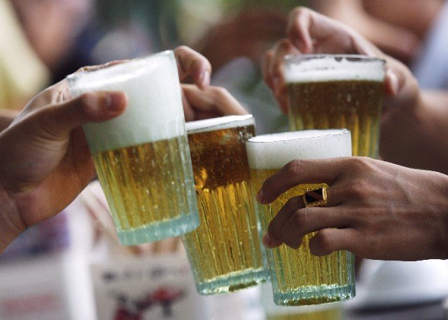 malaysia scraps beer festival following objections by religious party