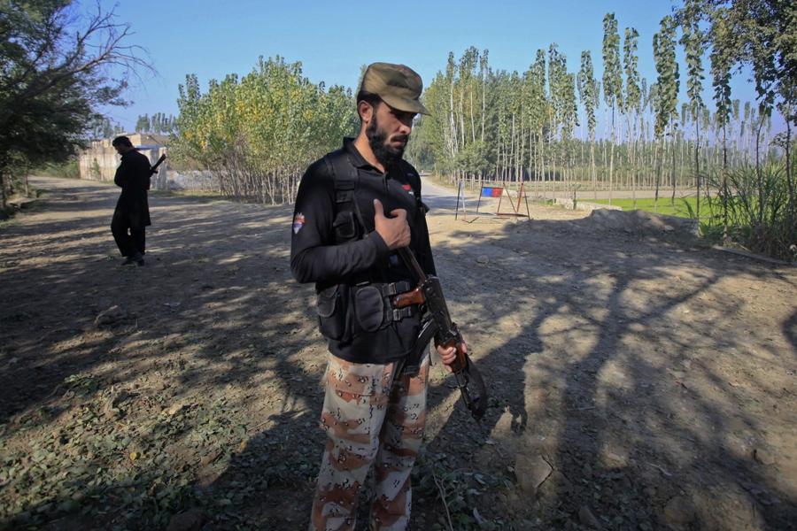 family demands tamgha e shujaat for martyred tehsildar