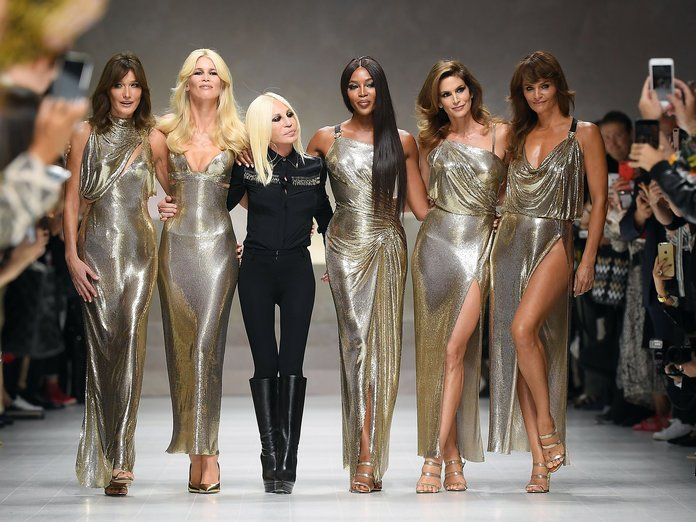 claudia schiffer naomi campbell cindy crawford and others walk for versace at milan fashion week